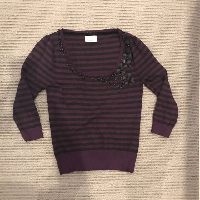 Review jumper with sequins size small