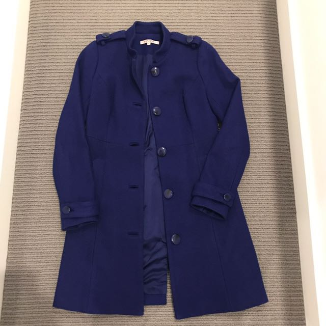 Review navy coat size 6