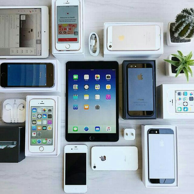 SALE! IPHONES AND IPADS!