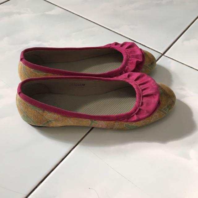 Sepatu batik D'arcadia treasure