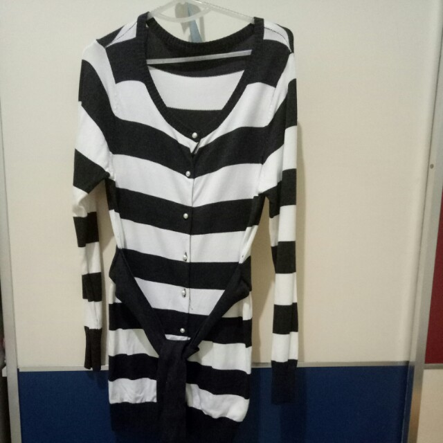 sweater rajut salur