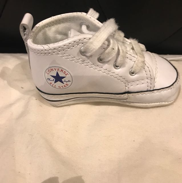 White leather converse baby size 2