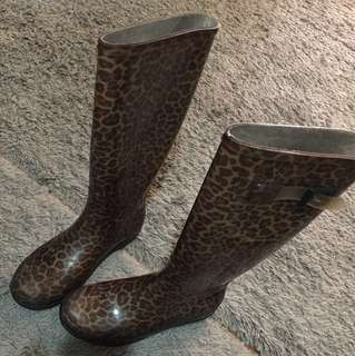 Browns Rainboots Size 7