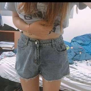 歐美淺藍牛仔短褲