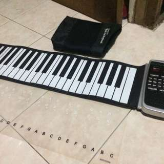 Giovanni's Roll Out Keyboard