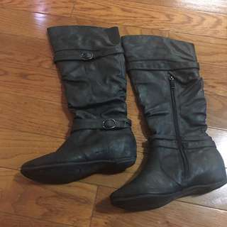 Women's mid calf black synthetic leather boot
