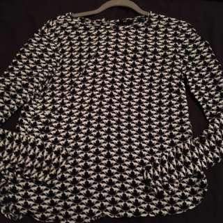 Black/White Pattern Blouse xs