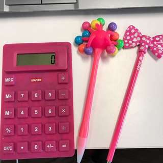 US Staples Flexi Calculator & 2 Novelty Pens.  Get Ready For Back To School