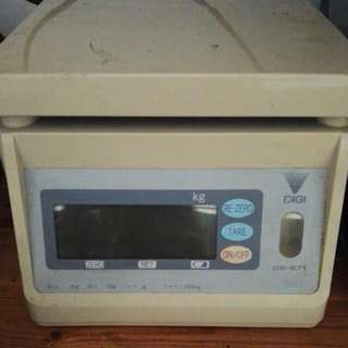 Digi DS-671 weighing scale max. 3kg min. 20g battery capable.