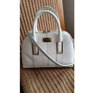 Cute Forever New White Hand bag with detachable straps
