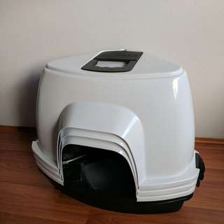 3 Cat corner litter trays with handle. Has removable hood cover, door and odour absorber pad