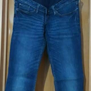 H&M Mama (Maternity Pedal Jeans)