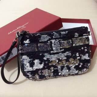 🆕 Authentic Salvatore Ferragamo sequin 2 way clutch