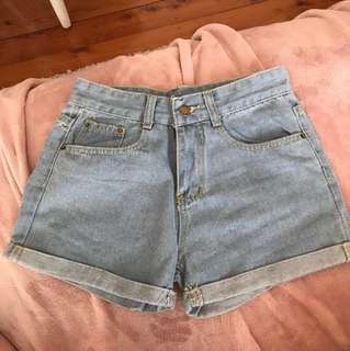BRAND NEW shorts size 6