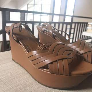CHARLES & KEITH WEDGES SIZE 36