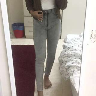 H&M grey-washed skinny jeans #take10off