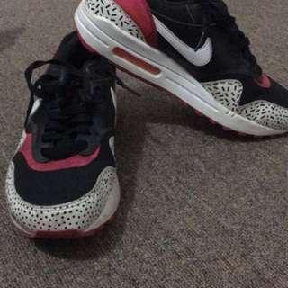 Nike Airmax 90 ( From hongkong, used thrice)