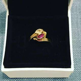 Gold wire wrapped ring crafted in 18k yellow gold. 1.4 grams