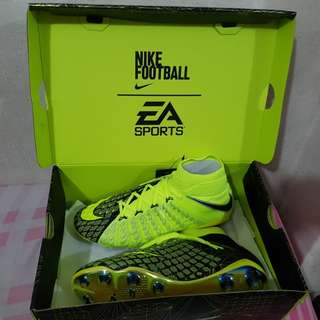 2bb9195f594 BNIB LE Nike X EA Sports Hypervenom Phantom 3 No 0904 3000