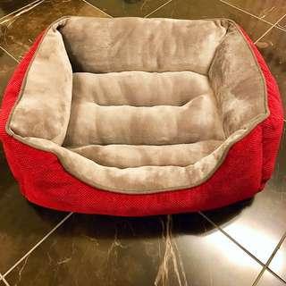 Soft PLUSH PET LOUNGE/PET BED | New & Unused