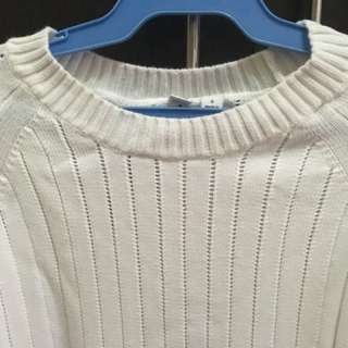 Cream Sweater -Uniqlo -Small