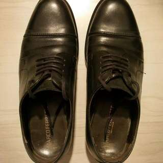 Italian Leather Shoes, Size 40