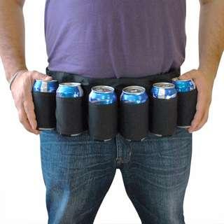 「很讚ㄉ飲料腰帶 黑色款 可以當飲料魔人 啤酒也可以啊 @公雞漢堡」
