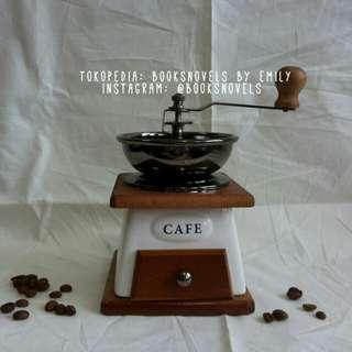 Coffee grinder penggiling manual gilingan biji kopi alat kado unik