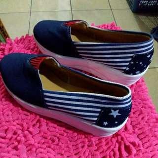 Sepatu wanita bahan kanvas size 39