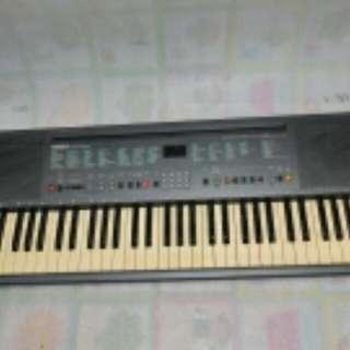 Yamaha PSR 200