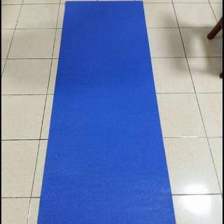 Thick Yoga Mat & 1.5kg Dumbbell