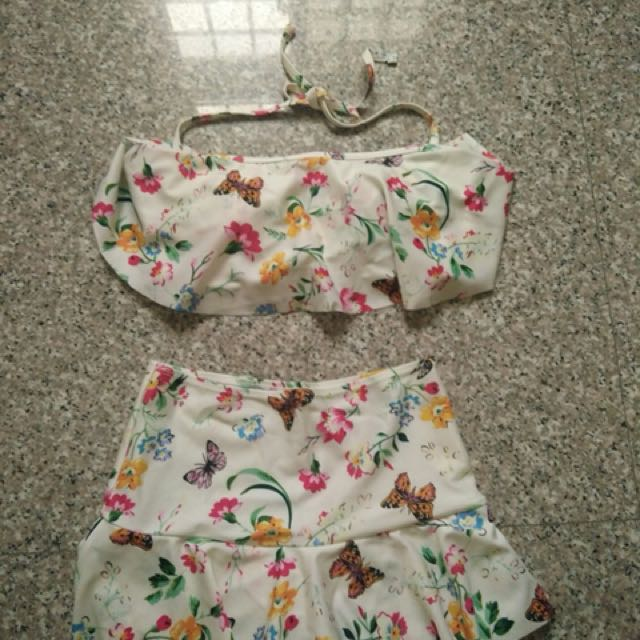 花蝴蝶鋼圈分體式泳衣