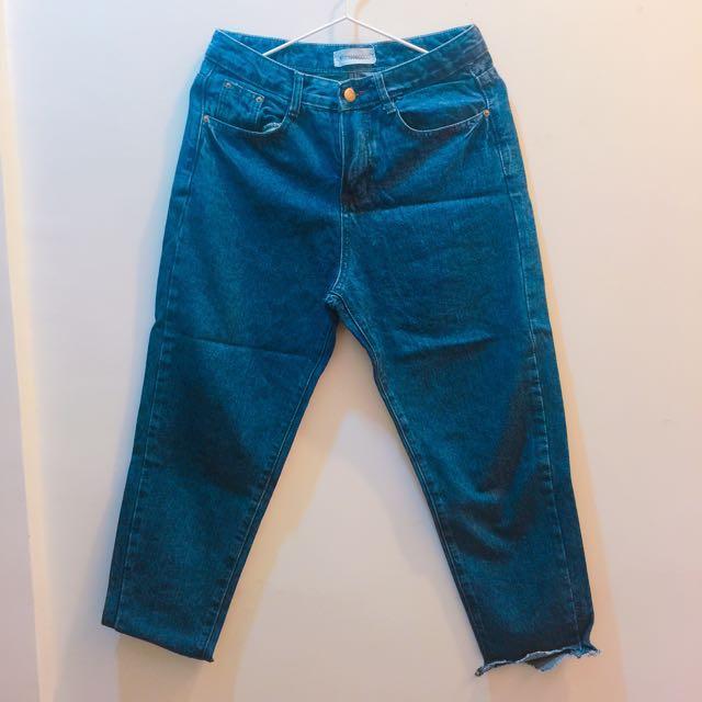 深藍不修邊男友風牛仔褲