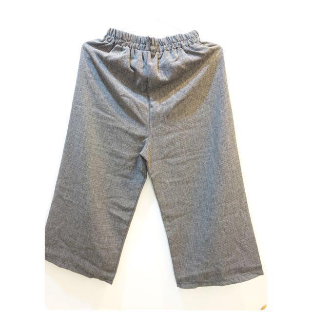 深灰淡格紋直筒寬褲