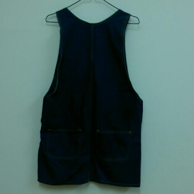 深藍色牛仔裙