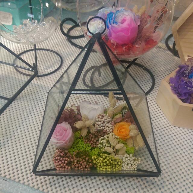 藝術擺飾 玻璃溫室錐形金字塔 造型 花器 陳列