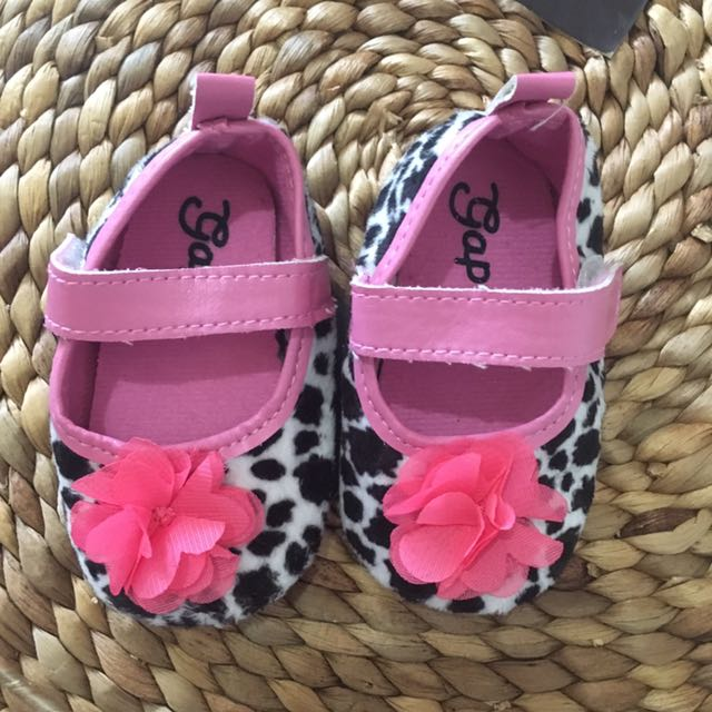 Baby Gap Shoes size 9-12 mos