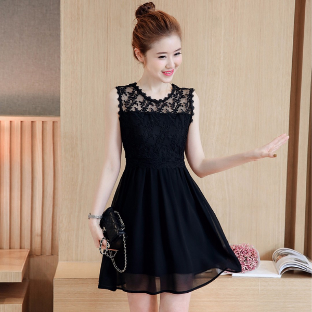 d9f41e8eb6 Black Coloured Mesh Floral Prints Designed Trendy Sleeveless Dress ...