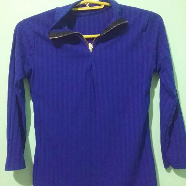 Blue top 3/4 sleeves