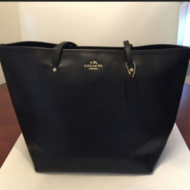 e902d230ac0 ... official bn instock authentic coach black tote handbag. boutique price  489 23258 771f8 ...