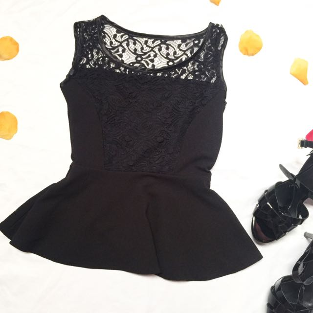 Brocade peplum top / atasan hitam lace / preloved stradivarius / preloved zara / preloved guess / preloved bonia
