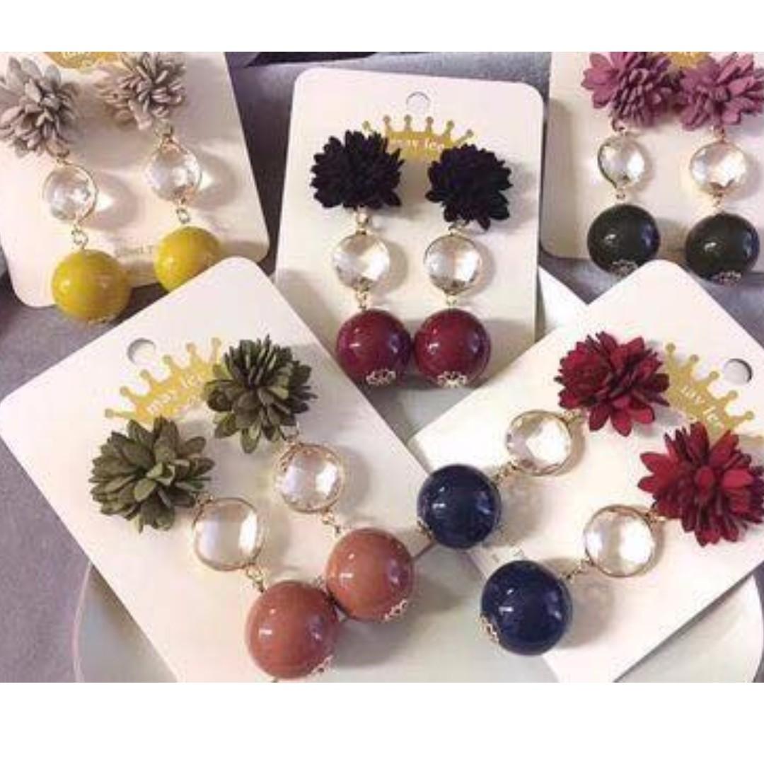 🎀韓國立體花朵垂墜圓球耳針🎀C1009603