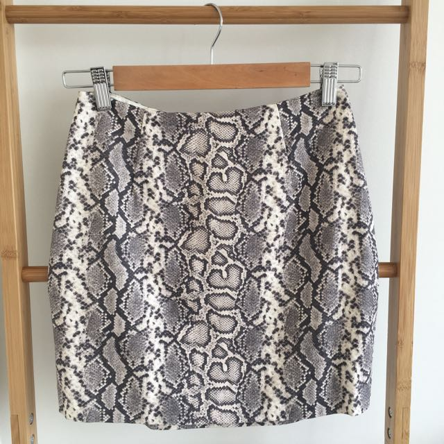 "Forever New ""Snakeskin"" Look Skirt"