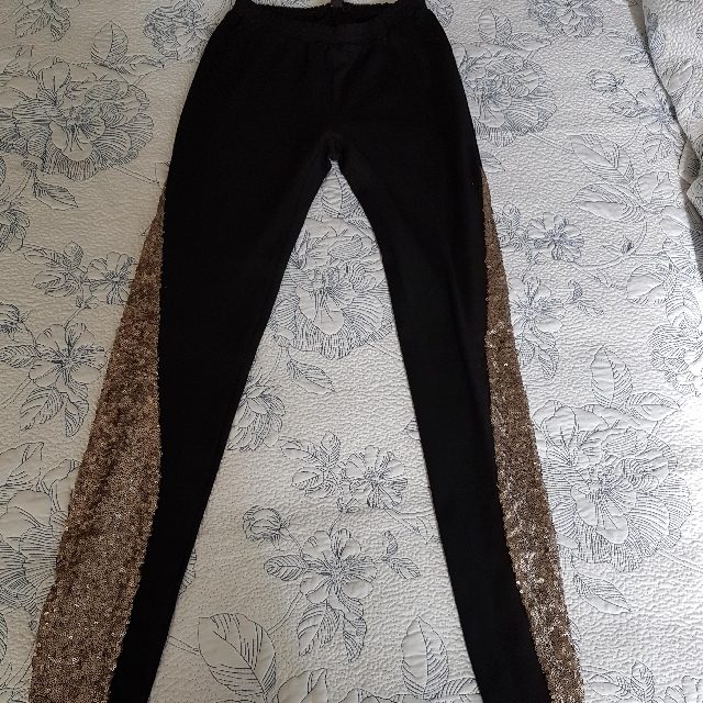 Fresh Soul Black Leggings with Gold Sequin on side Size 8