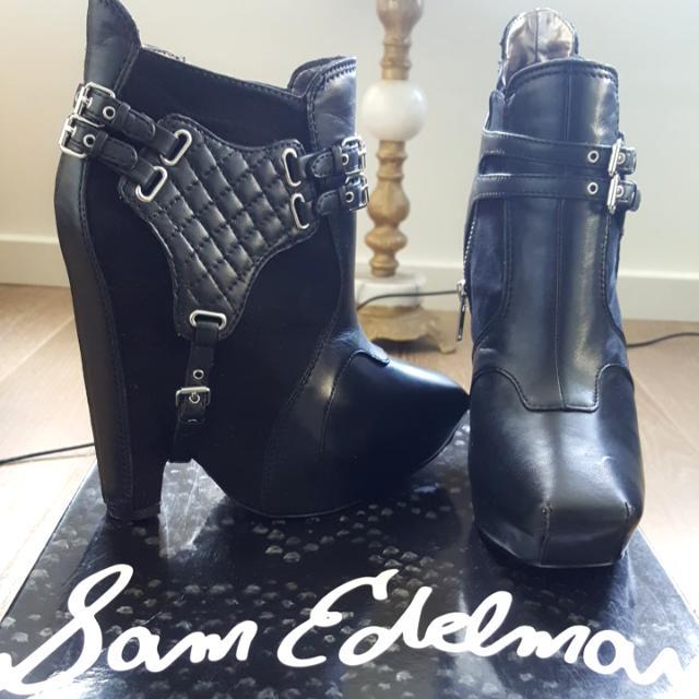 6b6f2f9cc8d0 Gorgeous Original SAM EDELMAN Zoe Platform Boots Size 8.5