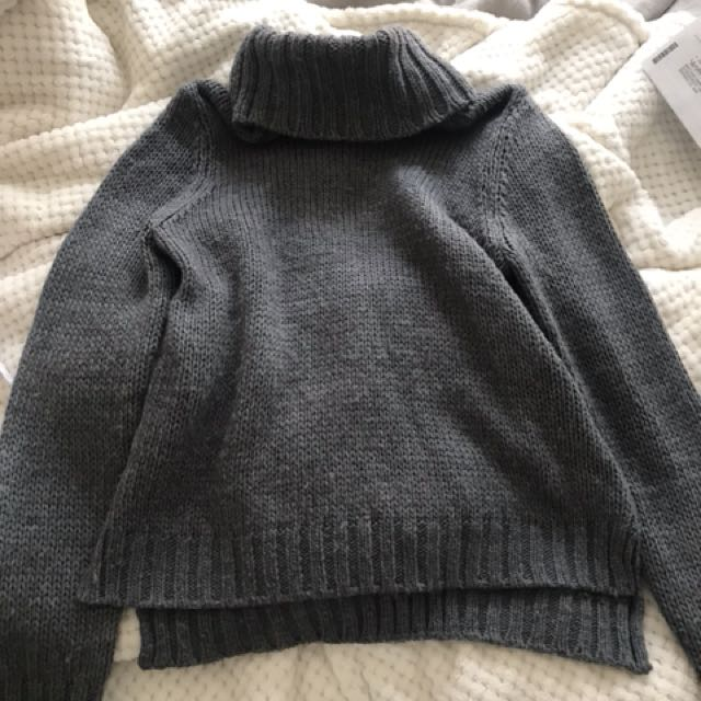 Grey knitted turtle neck