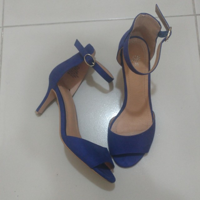 H&M Blue Suede Ankle Strap Shoes (size 6)