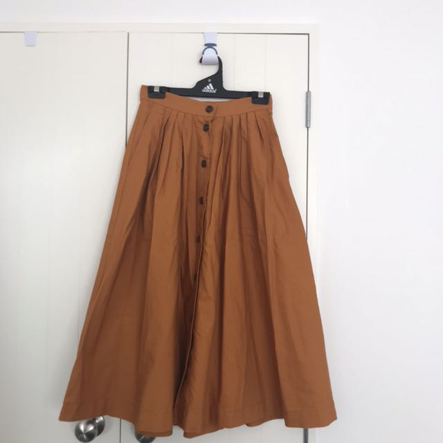 H&M skirt, never worn out,