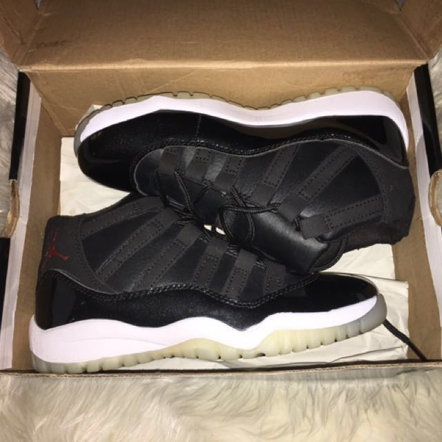 LIMITED TIME OFFER ****Black Jordan's 72 11s size 5 women (size 3 youth)