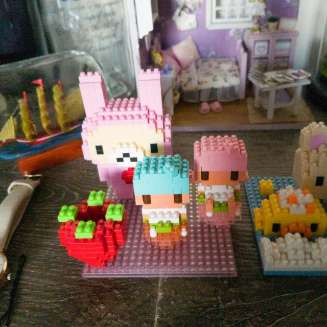 Micro Lego Figures